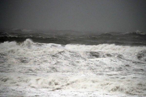 Avis de tempête sur le littoral