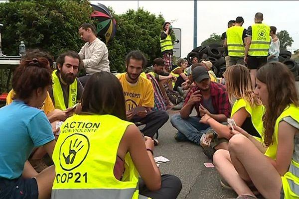 Une soixantaine de militants se relaient depuis 7 h ce mardi sur le site de Toulouse