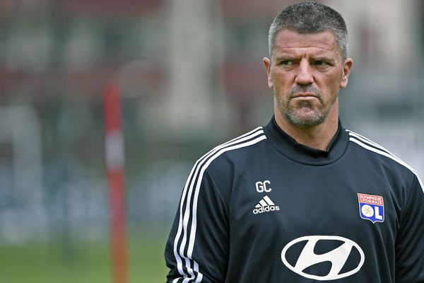 L'entraîneur des gardiens de l'Olympique Lyonnais, Grégory Coupet, quitte Lyon pour Dijon où il occupera le même poste.