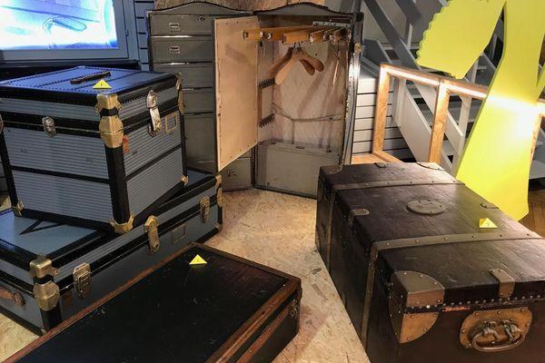Malle à vêtements, à vaisselle, à ustencils : elles permettaient de presque tout transporter.