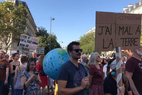 Des milliers de manifestants se sont réunis pour cette Marche pour le climat.