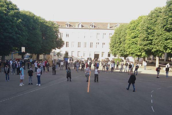 Reprise des cours mardi 2 juin au lycée Loritz de Nancy.