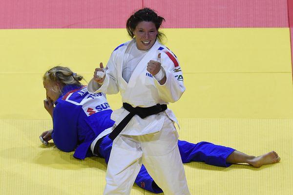 Hélène Receveaux aura remporté deux médailles de bronze dans ces mondiaux, un bilan qui donne le sourire!