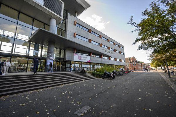 Le campus de Lille compte près de 80 000 étudiants qui disposent désormais de créneaux de vaccination réservés.