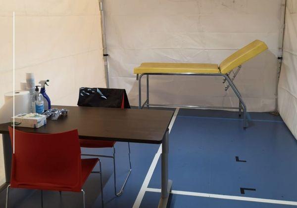 La ville de Taverny dans le Val-d'Oise ouvre un centre d'urgence Covid-19 dans un gymnase municipal.