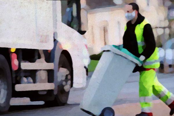 Pendant la crise sanitaire, les éboueurs ramassent davantage d'ordures ménagères.