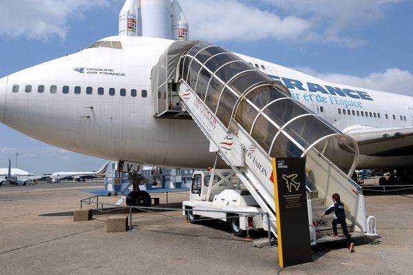Un exemplaire du Boeing 747 d'Air France est conservé au Musée de l'air et de l'espace du Bourget sur l'aéroport du Bourget, au nord de Paris.