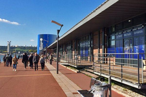 - Les locaux de la radio France Bleu Normandie sur les quais de Rouen