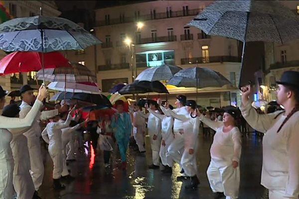 La pluie a contraint d'annuler nombre de spectacles des Accroches-Cœurs hier soir à Angers