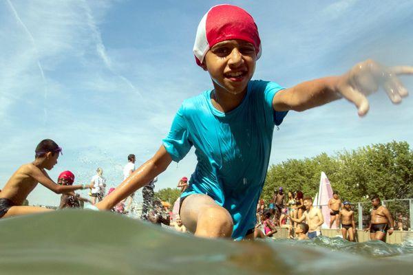 Une fillette de 9 ans s'est noyée dans une piscine de l'île de loisirs de Buthiers en Seine-et-Marne. (Photo d'illustration)