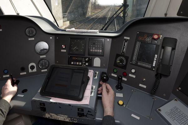 Selon l'inspection du travail, un conducteur doit être accompagné d'un contrôleur.