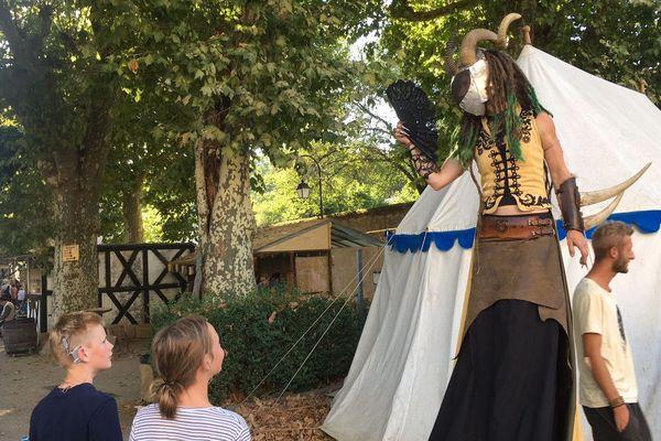 De nombreuses animations sont organisées à Souvigny (Allier) lors de la foire médiévale.
