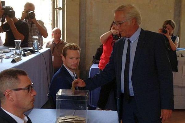 François Rebsamen a été réélu maire de Dijon dès le premier tour de scrutin lundi 10 août 2015.