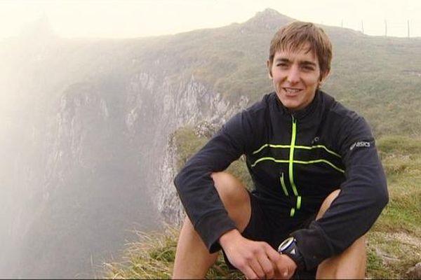 Xavier Thévenard vainqueur 2013 de l'Ultra Trail du Mont Blanc. Ici au sommet du Mont d'Or sa terre d'entraînement.