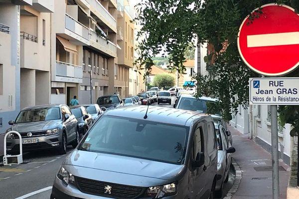 Le drame familial s'est déroulé vers midi au 25, rue Jean Gras à Cannes (Alpes-Maritimes)