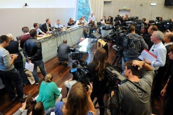 Conférence de presse du procureur de la République d'Annecy, au lendemain de la tuerie, en septembre 2012