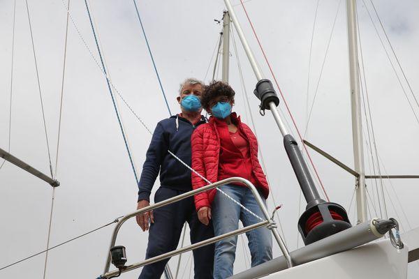 Fin de la séance photos. VDH, marin heureux : ''tu viens à l'avant, Odile, on va faire Titanic!''