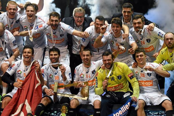 Hand/Coupe de la Ligue : un 10ème titre pour Montpellier qui bat Paris SG 31 à 26 dimanche 13 mars 2016.