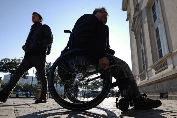 L'arnaque porte sur les travaux obligatoires d'accessibilité aux personnes handicapées des établissements recevant du public