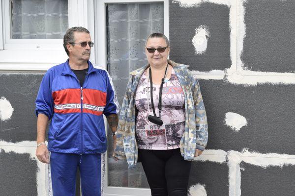 Depuis 14 mois, Christine et Denis Bigorgne vivent dans une maison humide aux façades fissurées.
