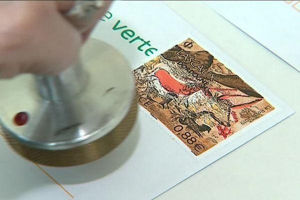 Un millier d'acheteurs et 6 000 timbres vendus en quelques heures à Lascaux