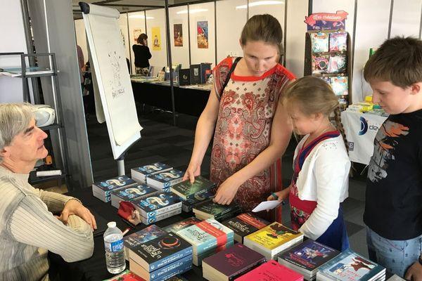 Le Salon du livre jeunesse de Chalon-sur-Saône accueille des auteurs et illustrateurs venus de toute la France, et parfois de plus loin