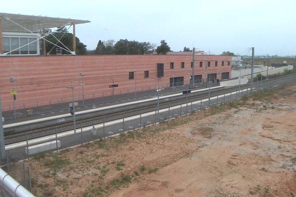 Des élus demandent une liaison ferrée entre la gare TGV de Manduel et celle du centre historique de Nîmes.