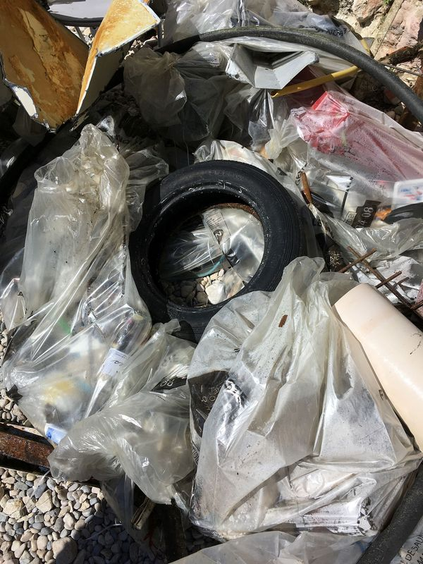 De nombreux déchets ont été récupérés dans la mer.