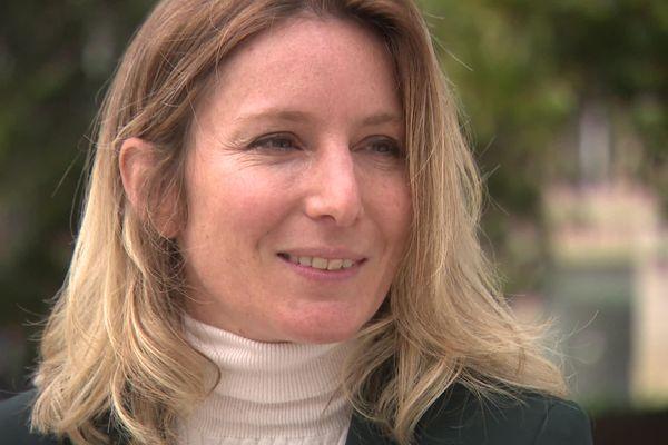 Anne-Sophie Vives, 38 ans, a fait un burn out en 2017. La Bordelaise a créé une communauté sur les réseaux sociaux puis une association L' Burn pour aider les victimes à se reconstruire.