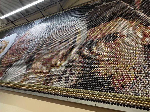INSOLITE Marne : La plus grande fresque de capsules de