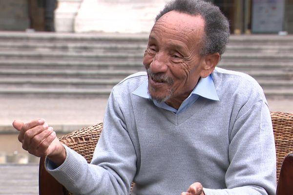 """Pierre Rabhi """" Moi-même, j'ai des progrès à faire pour être en harmonie avec ce que je ressens. """""""