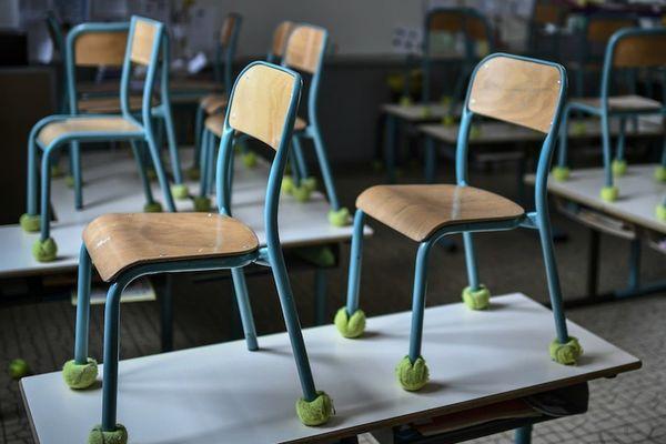 Une salle de classe vide (photo d'illustration) - Stéphane de Sakutin/AFP