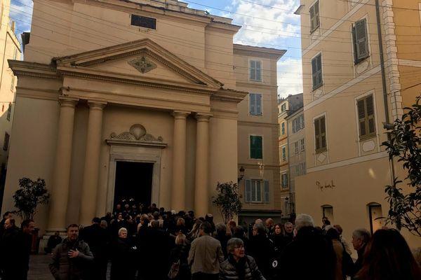Samedi 15 décembre, la famille d'Edmond Simeoni, décédé vendredi, reçoit les condoléances en l'église Saint-Roch de Bastia