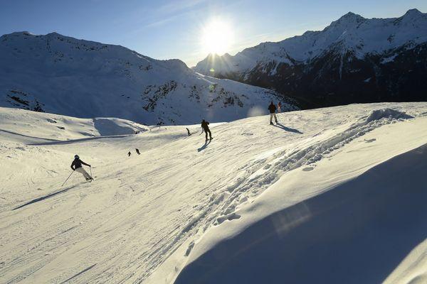 Des skieurs dans le parc national de Stelvio, en Lombardie, le 26 décembre 2018.