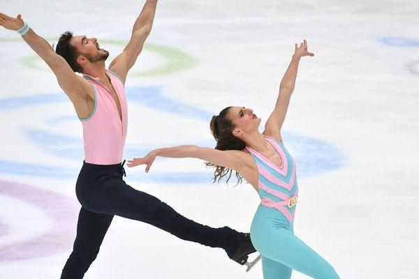 Jeudi 23 janvier, à l'issue de la danse rythmique, le duo de Clermont-Ferrand Gabriella Papadakis et Guillaume Cizeron ont pris la tête de la compétition à Graz, en Autriche.