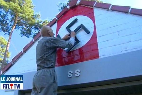 Croix gammée, sigle SS, la décoration de cette maison scandalise en Belgique.