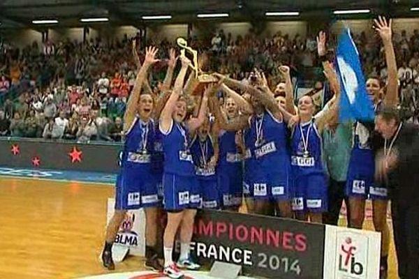 Basket : les Gazelles de Lattes triomphantes contre Bourges (50-44) en finale du championnat de France