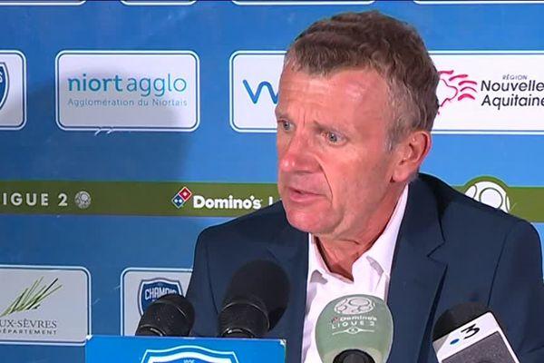 Patrice Lair, l'entraîneur des Chamois Niortais s'est montré très déçu après la défaite (1-2) contre le RC Lens.