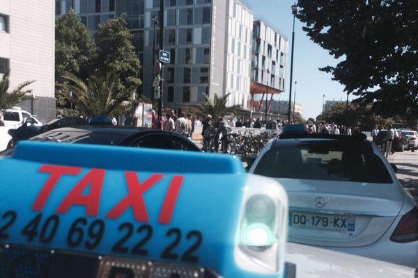 Les taxis nantais se mobilisent contre l'arrivée d'Uber