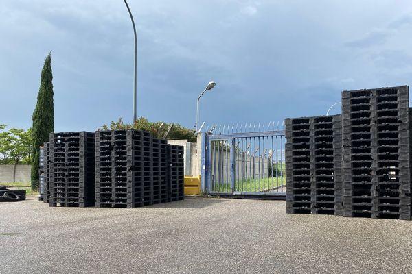 L'entrée du dépôt a été bloquée par les ex-salariés de la SAD.