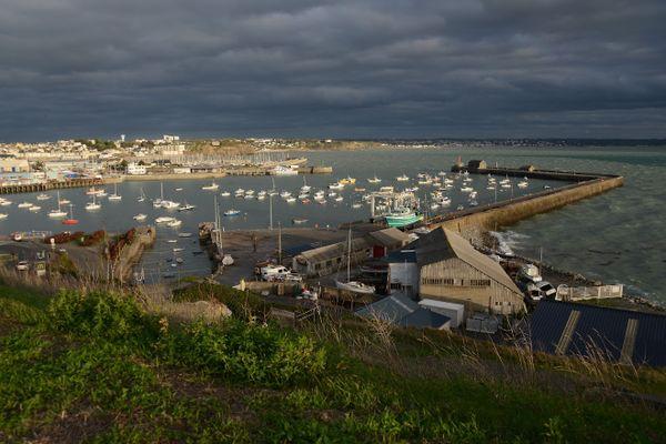 Ciel souvent nuageux ce mardi en Normandie, et il lâchera des pluies et des averses