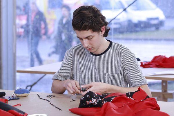 Gaël Hunault, 21 ans, médaille d'or mode et création, originaire des Hauts-de-France.