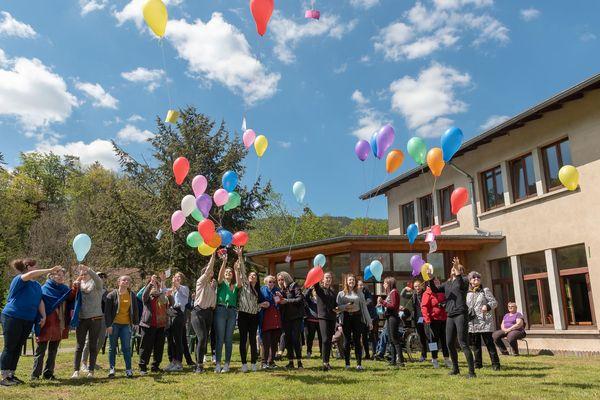Des vacances avec des lycéens pour les malades Alzheimer de l'EHPAD de Beaucourt