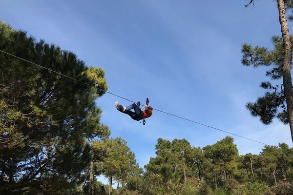 Panjat pohon adalah salah satu kegiatan favorit Explora Parc