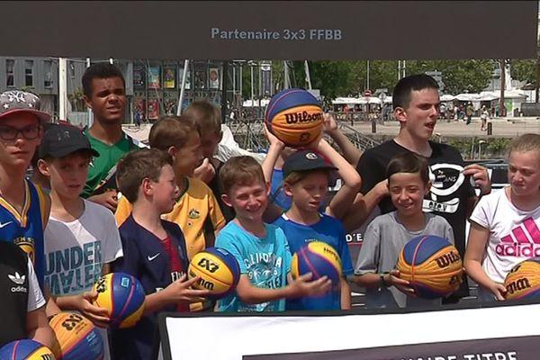 Les jeunes des centres aérés de La Rochelle ont été invités à des initiations au basket 3x3