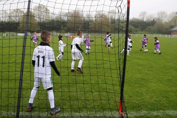 Les organisateurs mettent d'abord en avant la passion pour le foot