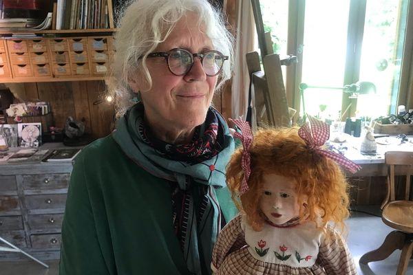 Malou Ancelin Créatrice de poupées, sculpteur et peintre.