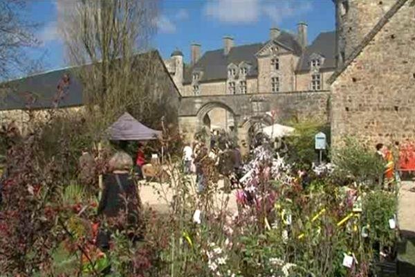 Le château de Crsiville-sur-Douve dans le Cotentin