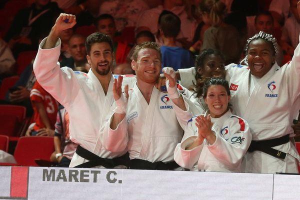 Axel Clerget (deuxième en partant de la gauche)