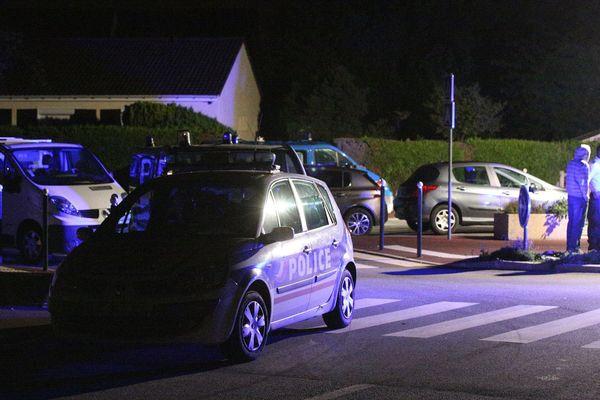 Un policier tué devant son domicile, à Magnanville, dans les Yvelines, le 13 juin 2016.